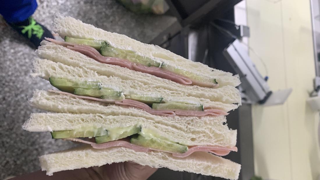 超声波切割大型三明治视频 - 切割三明治 - 杭州驰飞